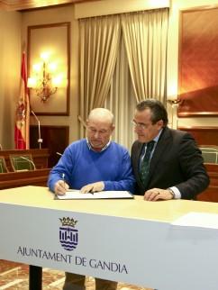 Firma de convenio con el Ayuntamiento de Gandia